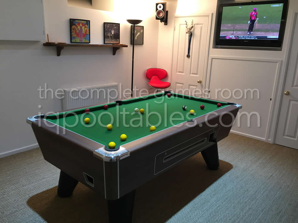 Supreme Winner Coin Operated Pool Table Walnut Finish with Green Cloth
