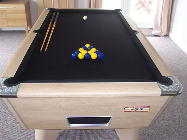 Supreme Winner Pool Table Oak Finish / Black Cloth