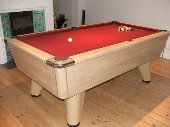 Supreme Winner Pool Table Oak Finish / BurgundyCloth