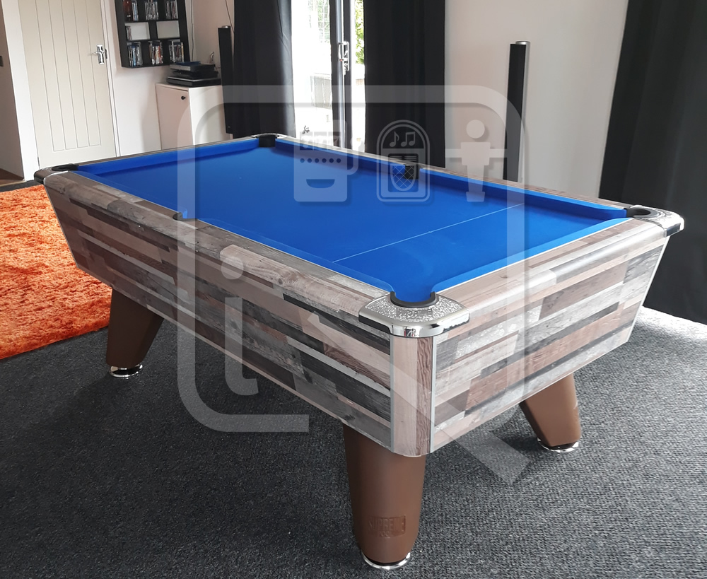 Supreme Winner Pool Table Vintage Festival Finish and Blue Cloth